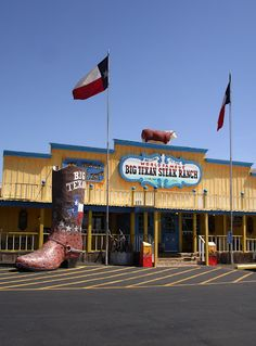 The famous Big Texan restaurant, Amarillo, Texas. Home of steak challenge! Texas Texans, Texas Bbq, Used Restaurant Equipment, Restaurant Jobs, Texas Legends, Loving Texas, Texas History, Texas Homes, Stars At Night