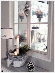 Windowsill deco christmas - New Deko Sites Christmas And New Year, All Things Christmas, Christmas Home, White Christmas, Wooden Christmas Trees, My New Room, Xmas Decorations, Christmas Inspiration, Beautiful Christmas