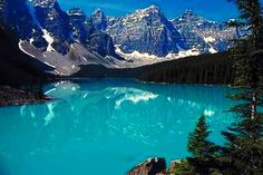 Lake Tianchi is a most important landmark of the Changbai Mountain as well as a calling card of Changchun travel. Beautiful Scenery, Life Is Beautiful, Changchun, Remote Viewing, Moraine Lake, Supernatural, Tourism, Heaven, Mountains