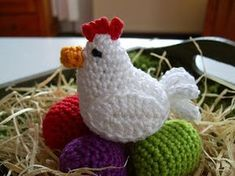 Easter Chicken and her eggs. Crochet Amigurumi, Amigurumi Patterns, Knit Crochet, Crochet Patterns, Crochet Hats, Chicken Pattern, Crochet Chicken, Crochet Embellishments, Easter Specials