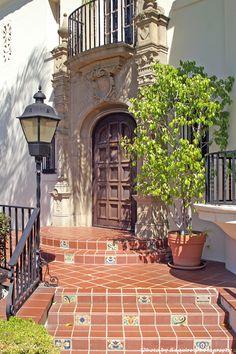 Muckenthaler Cultural Center (Fullerton, CA)   Beautiful entrance at the Muckenthaler