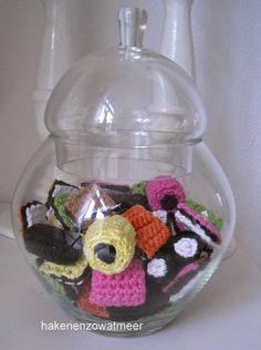 Gratis patronen,tinekeshaakpatronen: Engelse drop Crochet Food, Knit Or Crochet, Crochet Crafts, Free Crochet, Crotchet, Crochet Embellishments, Things To Do At Home, Little Presents, Play Food
