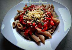 Makijaż | Fryzury | Jedzenie: Penne z kurczakiem w sosie pomidorowym