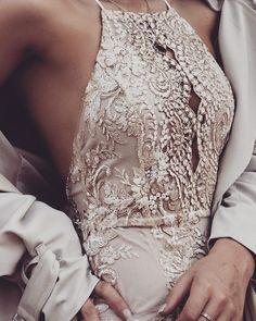 Ideas Dress Elegant Chic Wedding Gowns For 2019 Rose Dress, Dress Up, Bodycon Dress, Blazer Dress, Dress Girl, Tank Dress, Look Fashion, Fashion Beauty, 90s Fashion