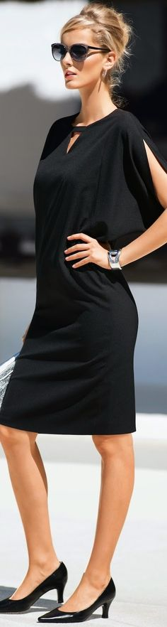 Little Black Dress Outfits Ideas to Copy - Femalikes Little Black Dress Outfit, Black Dress Outfits, Casual Outfits, Dress Black, Mode Chic, Mode Style, Look Fashion, Womens Fashion, Fashion Trends