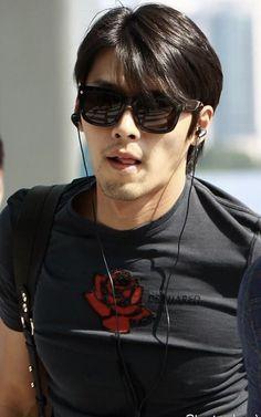 Soul Songs, Hyun Bin, Handsome Actors, Dimples, Haircuts For Men, Landing, Jin, Famous People, Korea