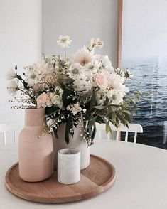 Easy and Minimalist Dining Table Decor Ideas - Home Deco.- Easy and Minimalist Dining Table Decor Ideas – Home Decoraiton Easy and Minimalist Dining Table Decor Ideas – - Deco Floral, Easy Home Decor, Home Flower Decor, Spring Home Decor, Home Decor Inspiration, Decor Ideas, Decorating Ideas, Room Ideas, Interior Decorating