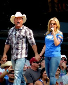 Garth Brooks Trisha Yearwood Country Singers On