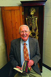 Public Invited to Hear Anthropologist Bill Bass   University of Tennessee Libraries