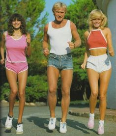 1970s Pics Of Men's Shorts Show A Forgotten Fashion Trend That Made Men Cool