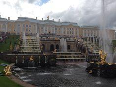 Peterhof, palácio de Pedro o Grande em São Petersburgo, Rússia
