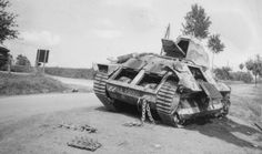 30001 LE MISTRAL, 7e BCC 1ère Cie 3e Sect. Equipage : Sergent-chef Jacquemin - Chasseur Horel Détruit route de Maisoncelle à Chemery (Ardennes) le 14 mai 1940, coll. Tony Engelsen