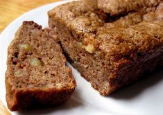 Low-Fat Banana Apple Chunk Bread. It's healthy and vegan! From Fitsugar