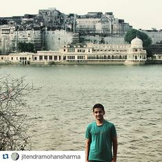 #Repost @jitendramohansharma with @repostapp  Follow back for travel inspiration and tag your post with #talestreet to get featured.  Join our community of travelers and share your travel experiences with fellow travelers attalestreet.com  #heritage #rangeelorajasthan #talestreet #bnw_lover #discover_india #epic #incredibleindia #fort #town #digital #gap #indian #camo #m18 #strong #comment #life #photo #men #private #toujours #aime #tshirt #chambre #pnl #soir #follow #class #twitter