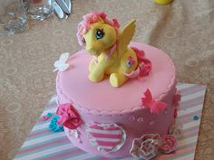 My Little Poney themed birthday fondant cake By: Mylene Blouin on Facebook (from Quebec City)