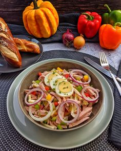 Sausage salad with cheese - simple and tasty - Feelgoodfoodandmore │ Alle meine Kochrezepte - Wurst Easy Meat Recipes, Hamburger Meat Recipes, Slow Cooker Recipes, Crockpot Recipes, Chicken Recipes, Dinner Recipes, Easy Meals, Dinner Dishes, Main Dishes
