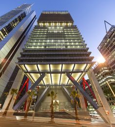 Rogers Stirk Harbour&Partners with Lippmann Partnership's 8 Chifley, Sydney