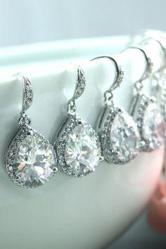 Bridesmaid earrings. Gorgeous!