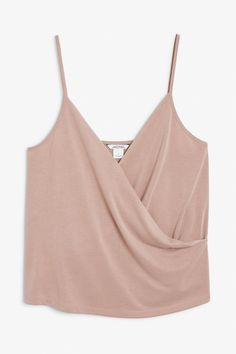 A lovely wrap singlet with spaghetti straps and a soft feel <3 Search 0572357003 on site.