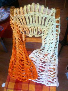 einfach    breit    ungeflochten als  Stola Shawl, Cape, Knitting, Crochet, How To Wear, Accessories, Fashion, Simple, Breien