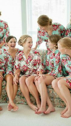 How much fun are these bridesmaid robes? Bridesmaid Robes, Brides And Bridesmaids, Flower Girl Robes, Bridesmaid Getting Ready, Barefoot Girls, Fashion Photography Poses, Floral Kimono, Beautiful Asian Girls, Sexy Feet