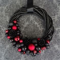 Schwarz roter Weihnachtskranz Türkranz von Schwarzthanne