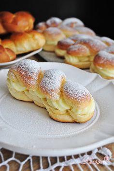 Kremki - fluffy scones with cream / Cream filled pastries With translator Bulgarian Desserts, Bulgarian Recipes, Bread Dough Recipe, Bread Bun, Mini Cakes, Coffee Cake, Sweet Recipes, Sweet Treats, Dessert Recipes