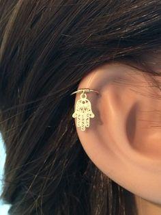 Hamsa cartilage earring, gold cartilage hoop, tiny cartilage ring, hamsa earring, small cartilage earring, cartilage piercing, hamsa hoop