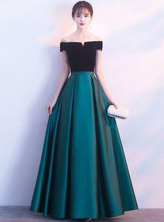 Shop Color-blocked Splicing Slash Neck Maxi Evening Dress at EZPOPSY. Stylish Dress Designs, Stylish Dresses, Elegant Dresses, Pretty Dresses, Beautiful Dresses, Fashion Dresses, Formal Dresses, Cute Dresses For Party, Party Wear Dresses