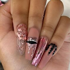 We have collected 130 + elegant Rhinestones coffin nails for you. Enjoy these beautiful nail art and welcome your Inspiration erupted! Rhinestone Nails, Bling Nails, Gold Nails, Swag Nails, My Nails, Fire Nails, Best Acrylic Nails, Dream Nails, Stylish Nails