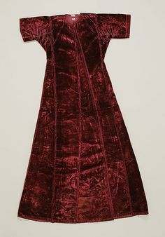 Coat - 17th century.  Although this is later than I like, it looks very similar to the Turkish style coats we see in so many 16th C portraits