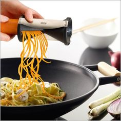 Cut Vegetables in Long Julienne Form with this Spiral Cutter!