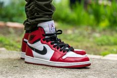 Air Jordan 1 Retro High Chicago - On Feet Sneaker Review 31306d30670c8