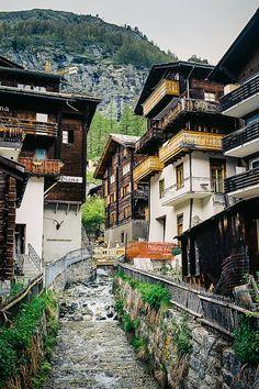 Zermatt, Switzerland http://zermatt.hifromswitzerland.com #switzerland #schweiz…