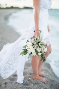 This intimate boho elopement on the shores of Captiva Island will blow you away: http://www.stylemepretty.com/florida-weddings/2015/09/28/seaside-sunrise-boho-elopement/ | Photography: Hunter Ryan Photography - http://hunterryanphoto.com/