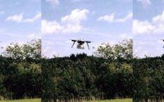 Prima consegna via drone negli USA, presto anche in Italia? Poco più di 4kg per un carico contenente prodotti medici, partito da un piccolo aeroporto in Virginia e scaricato da un drone nei pressi della non lontana clinica interessata. Il tutto sotto la super #drone #droni #spedizioni #usa
