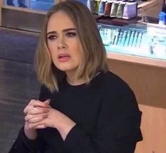 We didn't expect to see Adele standing in a Jamba Juice, eating wheatgrass and getting her hair brushed by her (fake) assistant. But we're so happy we did. Meme Pictures, Reaction Pictures, Meme Faces, Funny Faces, Reaction Face, Kpop Memes, Current Mood Meme, Mood Pics, Stupid Memes