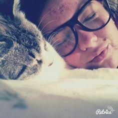 Duermo  con mi niña Luna