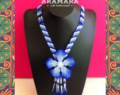 Corte de flores de abalorios de mexicana Huichol collar por Aramara