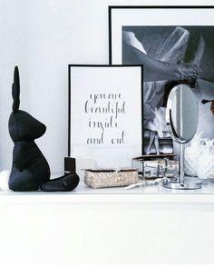 ♥ HOUSE of IDEAS  #houseofideas #details #handwriting #blackandwhite #bedroom #bunny #beutifulwriting ##blackrabbit #blackandwhiteinterior #interior4all