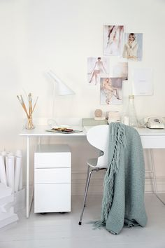 Scandinavian home office and work space from Voice Abstracta 2013 (styled by Trendenser.se) I like the throw