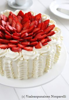 No Bake Desserts, Just Desserts, Delicious Desserts, Beignets, Just Eat It, Strawberry Desserts, Let Them Eat Cake, Baking Recipes, Cake Decorating