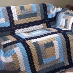 Discover thousands of images about Log Cabin Afghan – Free Crochet Pattern Crochet Quilt Pattern, Crochet Blocks, Crochet Squares, Crochet Blanket Patterns, Crochet Granny, Crochet Home, Crochet Crafts, Easy Crochet, Crochet Afgans