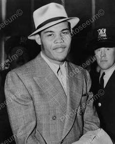 Click HERE to see my other auctions Joe Louis In Suit & Hat 1930s 8x10…