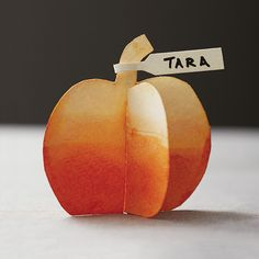 Top 10: Last Minute Thanksgiving Place Cards. Painted DIY pumpkins