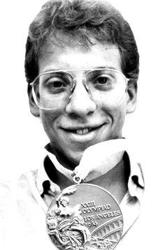 En 1983 en los IX Juegos Panamericanos de Caracas, Venezuela se queda con cinco medallas de bronce. Para el 2005, posee uno de los quince mejores tiempos de la historia de los Juegos en esa especialidad. Este triunfo le convirtió en una celebridad nacional. Rafael Vidal(n. Caracas, Venezuela; 1964 -   2005) nadador Venezolano y querido amigo.