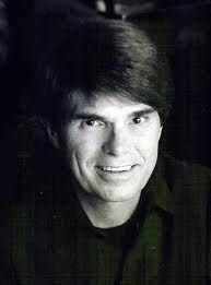 Dean Koontz!  Read anything by him!  You will love it!!!!