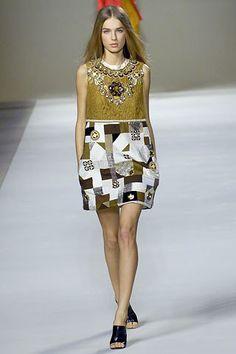 Chloé Spring 2007 Ready-to-Wear Fashion Show - Ekat Kiseleva (SILENT)