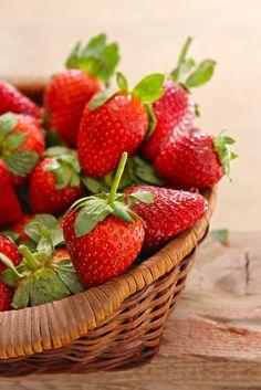Aardbeien in een mandje