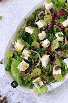 Sałatka z fetą, pestkami dyni i winogronami Cooking Tri Tip, Cooking Bread, Cooking Ribs, Salad Recipes, Snack Recipes, Healthy Recipes, Healthy Meals, Snacks, How To Cook Artichoke